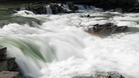 Rearguard Falls - ©Derek Chambers