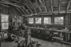 The Cannery's Machine Shop - B&W - ©Derek Chambers