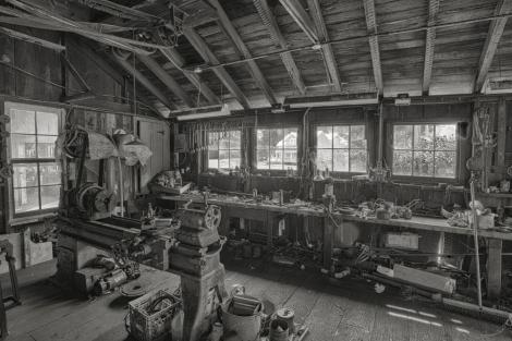 The Cannery's Machine Shop - B&W - ©Derek Chambers