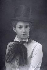K21-S5364 - Cabaret Girl, Berlin, 1930 - Derek Chambers